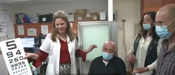 Artificial Corneal Implant Restores Sight