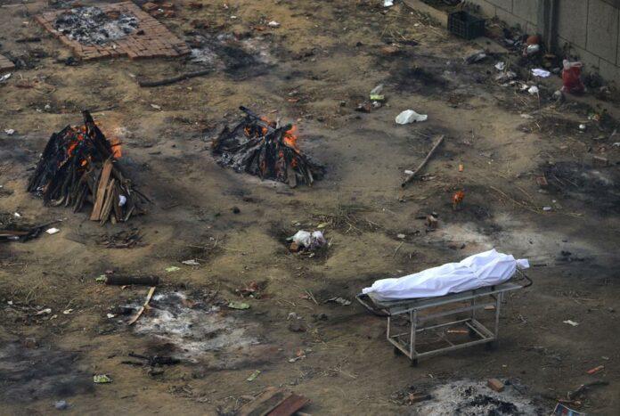 India cremation site COVID-19